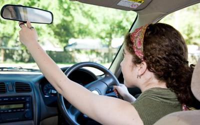 Espelhos retrovisores: como regular corretamente e evitar acidentes